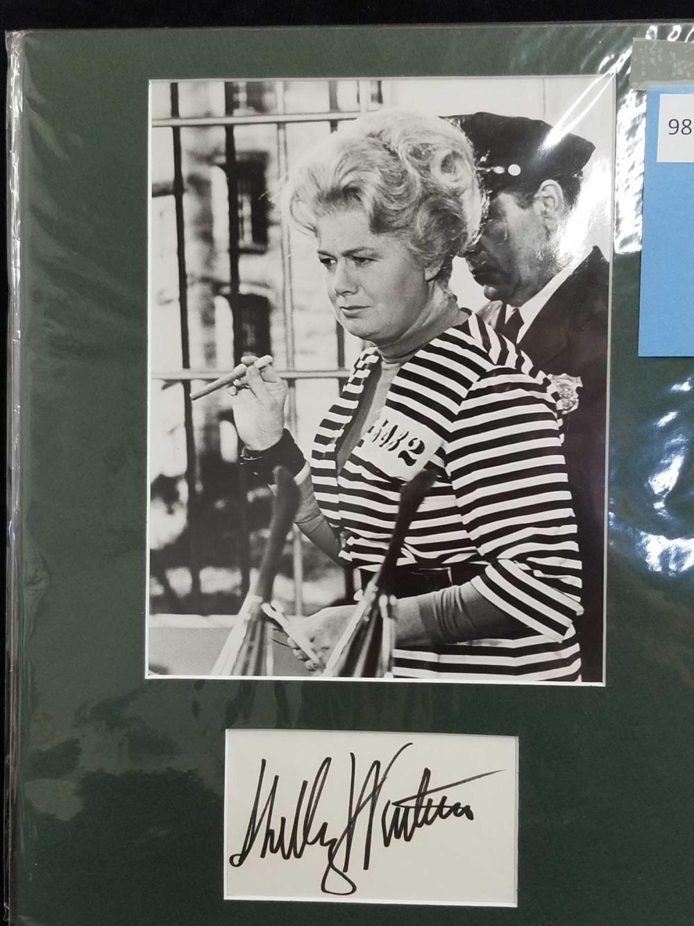 SHELLY WINTERS BLACK & WHITE PUBLICITY PHOTO & SIGNATURE CARD