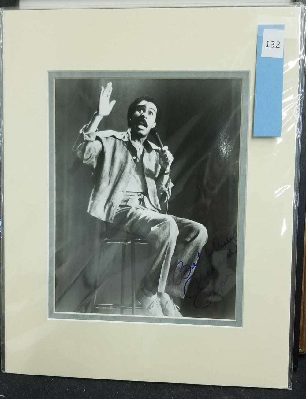 RICHARD PRYOR BLACK & WHITE SIGNED PUBLICITY PHOTO