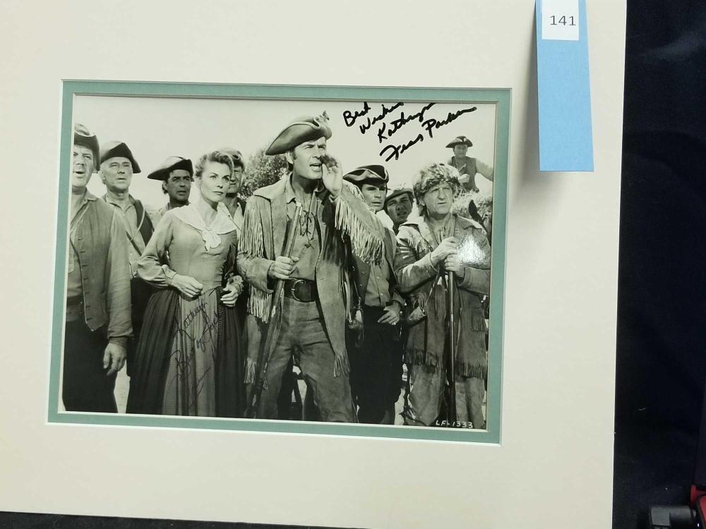 Lot 141: FESS PARKER & JOANNE DRU BLACK & WHITE DOUBLE SIGNED MOVIE STILL PHOTO