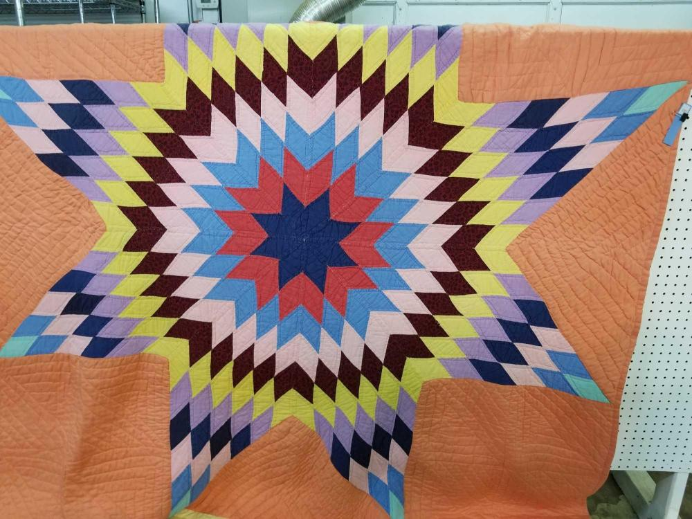 VINTAGE TEXAS STAR HAND MADE QUILT