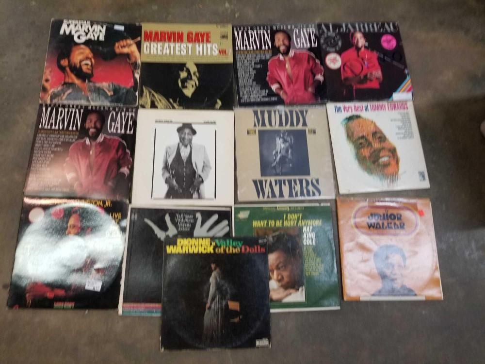 VINTAGE 33 1/3 ALBUMS BY ASSORTED ARTISTS - 13 ITEMS