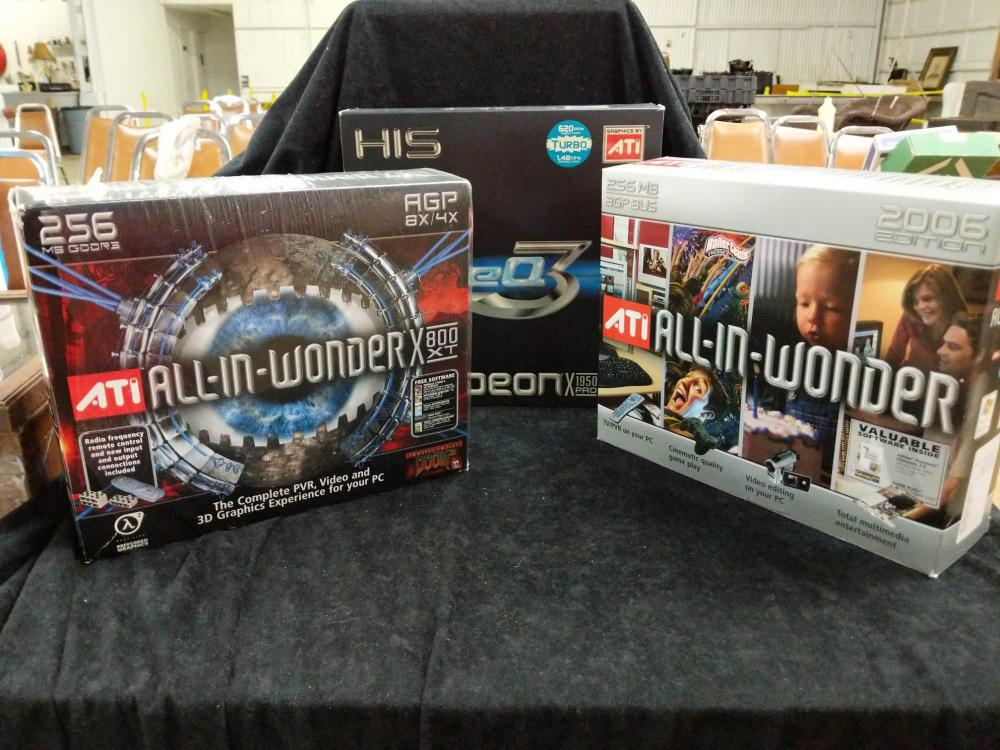 ATI COMPUTER GAMER ACCESSORIES - 3 ITEMS