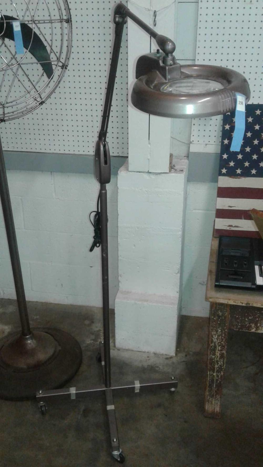 DAZOR FLOOR MODEL MAGNIFYING FLORESCENT LAMP