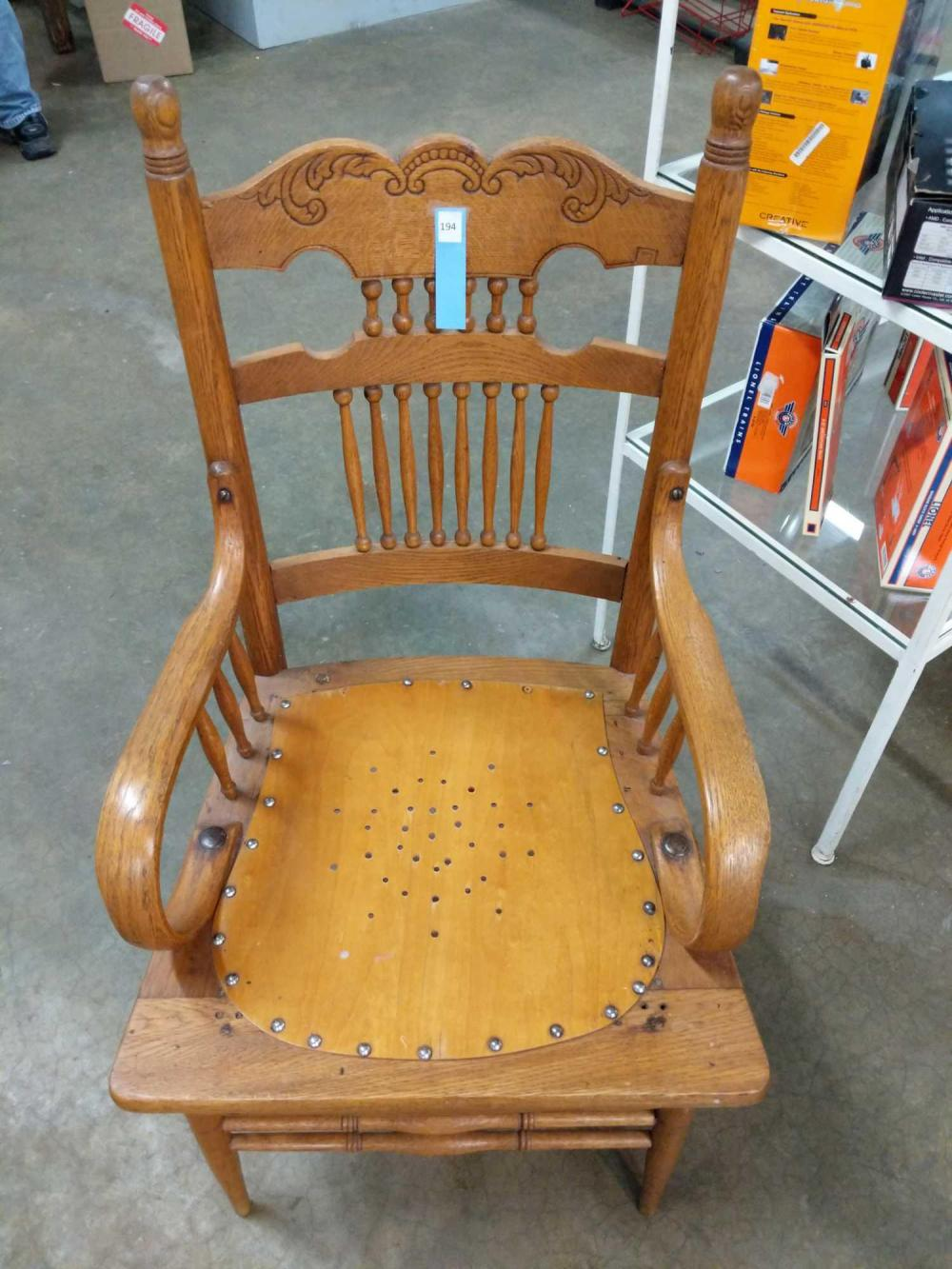 OAK SPINDLED BACK ARM CHAIR
