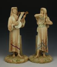 Royal Worcester 2 figurines