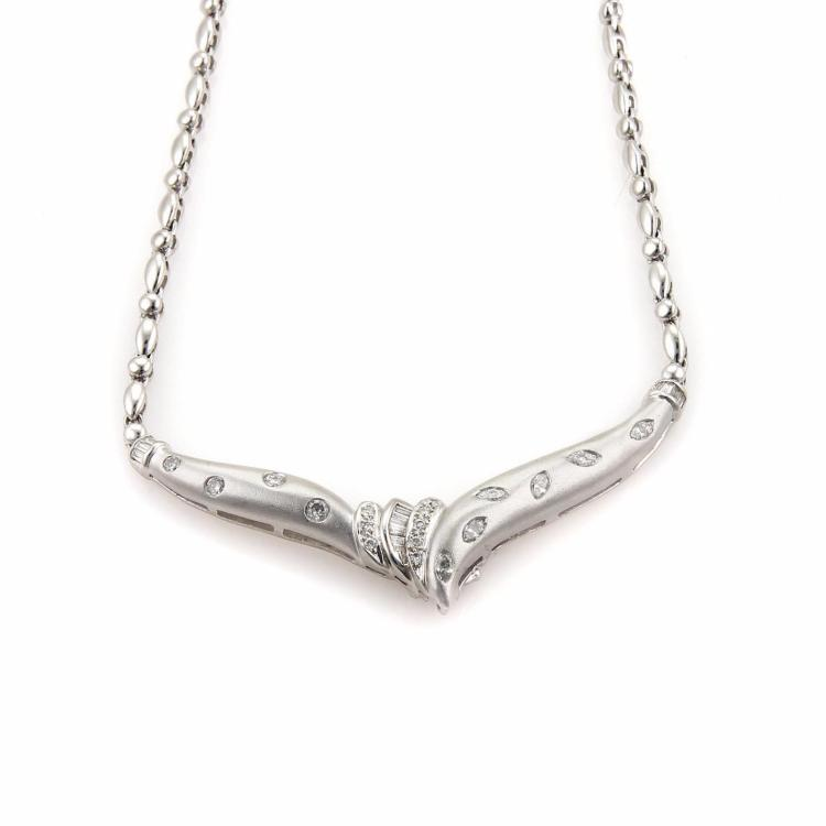 Platinum & Diamonds Textured Fancy Pendant & Chain Necklace