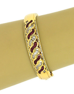 STUNNING 18K YELLOW GOLD, 2.3 CTS DIAMONDS 2.1 CTS RUBIES ORNATE BANGLE BRACELET
