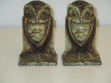 Amazing Vintage pair of Owl book ends / stands.