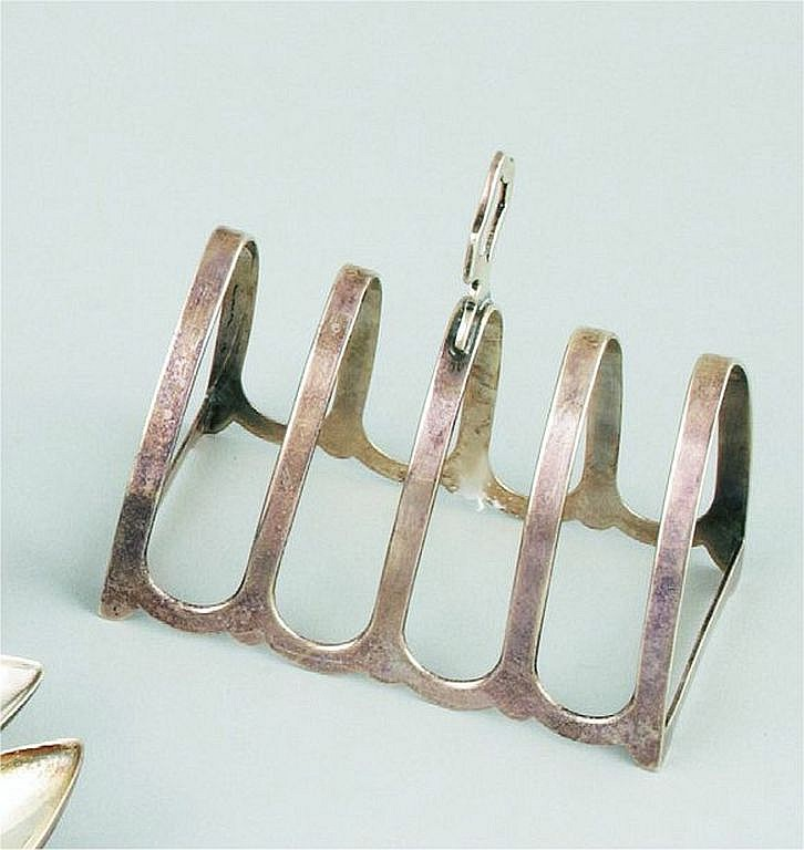 A British silver toast rack