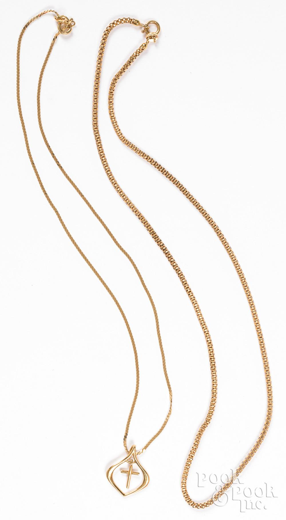 Two 18K gold necklaces, 7.3dwt.