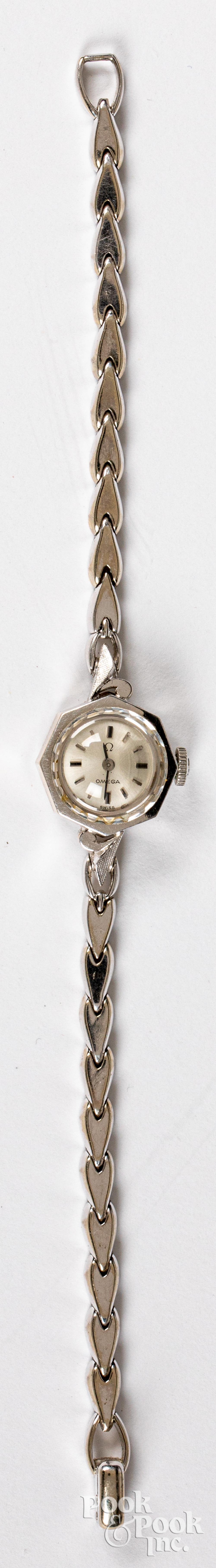 14K gold Omega ladies wristwatch, 8dwt.