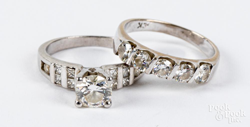 900 Platinum and diamond wedding band set