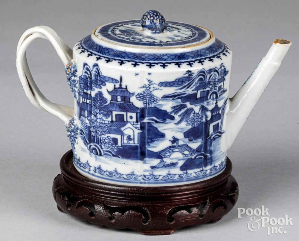 Chinese export porcelain blue and white teapot