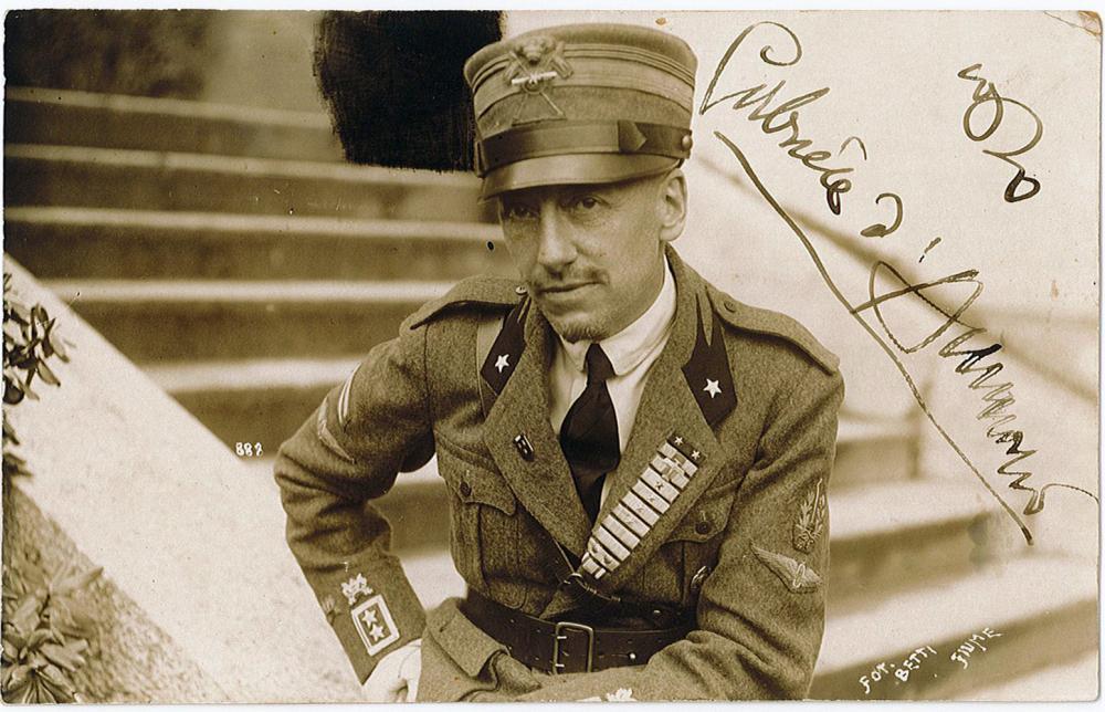 Autografo di Gabriele D Annunzio (1863-1938)