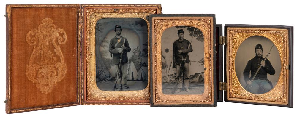 [U.S. CIVIL WAR]. A GROUP OF 3 UNION BAYONETED SOLDIER TINT...