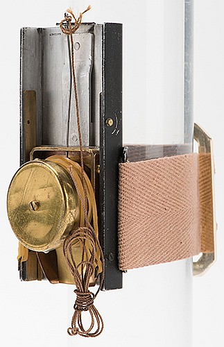 De Bierre-Style Coin Shooter. Gardner [?], ca. 1970. Holdout-like device shoots one coin at a time into the magicianÍs hand from his sleeve. Modeled on a design by John Martin originally constructed for Arnold De Bierre. 4î long. Uncommon.