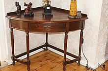 Antique Maple Corner Table With Drawer H75cm