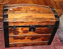 19th Century Ships Trunk With Original Label Inside Trunks and Bags David Schwartz 3rd Avenue New York H65cm X W81cm