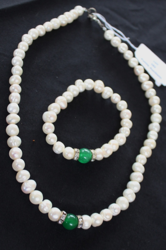 beautiful matching pearl necklace and bracelet