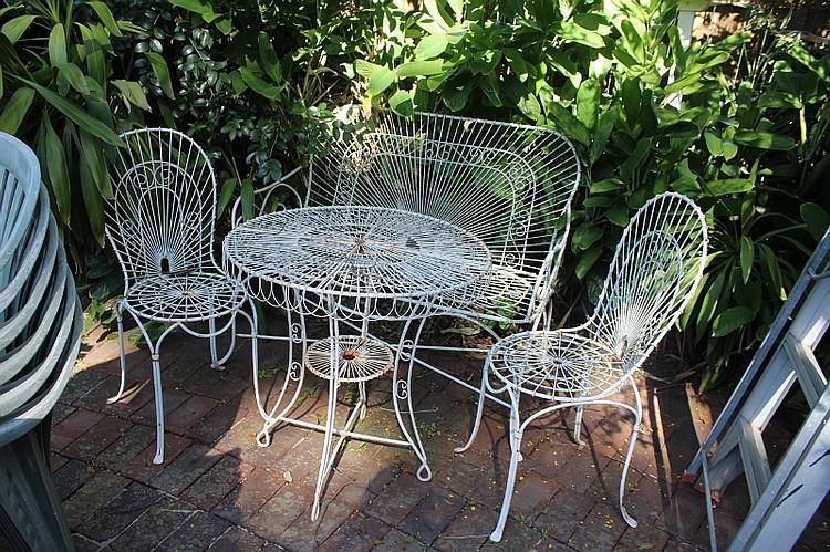 Brilliant Vintage French Two Seater Garden Seat With Matching Table Frankydiablos Diy Chair Ideas Frankydiabloscom