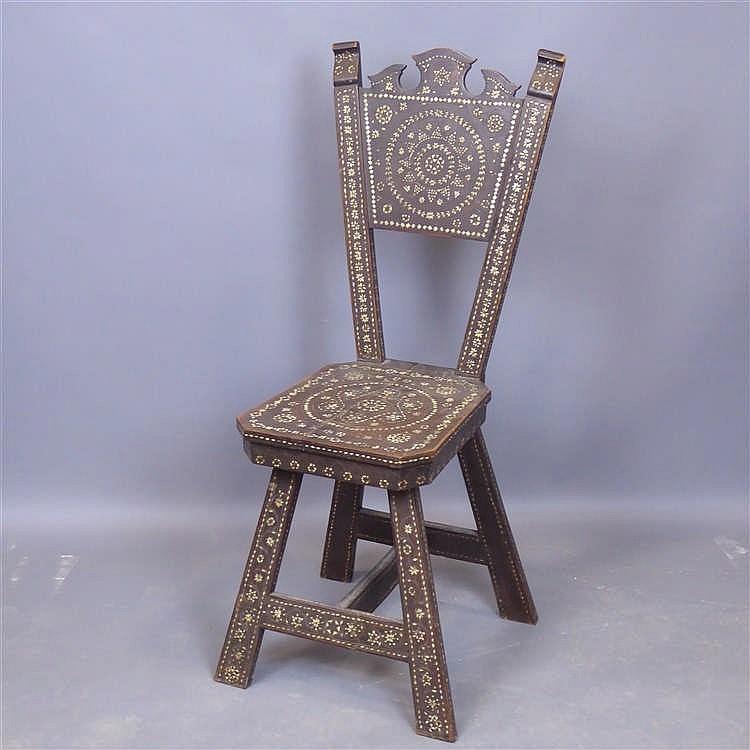 Chaise italienne en bois marquet de nacre et os xix me si for Chaise xixeme siecle