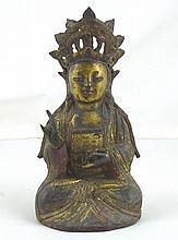 CHINE: Bouddah en bronze. Ancienne trace de dorure et de polychromie. Hauteur: 21cm. Usures.