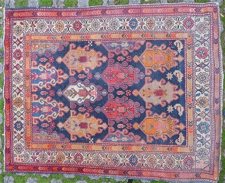 Tapis en laine 12 motifs g om triques orange et - Tapis motif geometrique ...