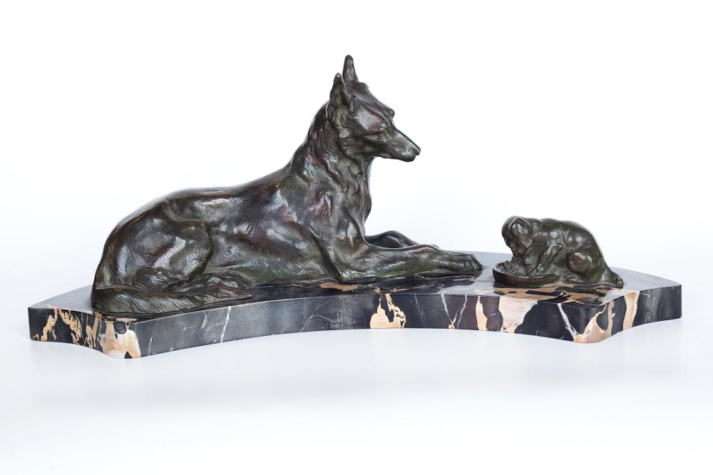 R.Varnier Bronze sculpture of a dog and a puppy on a marble base.