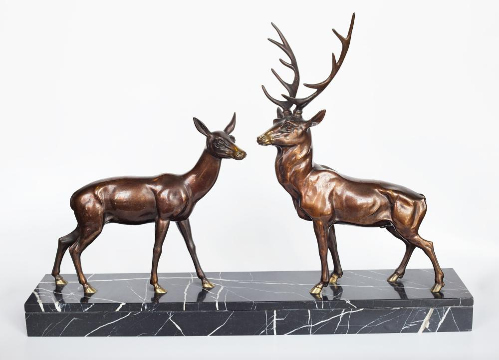 Bronze sculpture of deer and a roe on marble base by De Roche