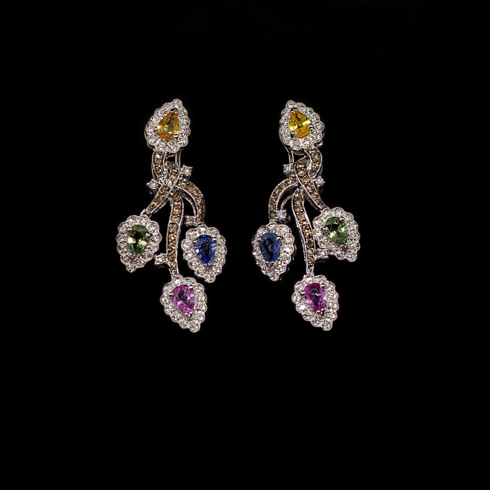 8CTW Sapphires and 1,56 TCW diamond 18K white gold Drop earrings.