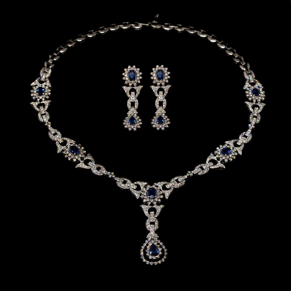 10,68CTW Natural Diamond and 8,40TW Natural Sapphire 18K white gold set – necklace and pair of Tear-drop earrings