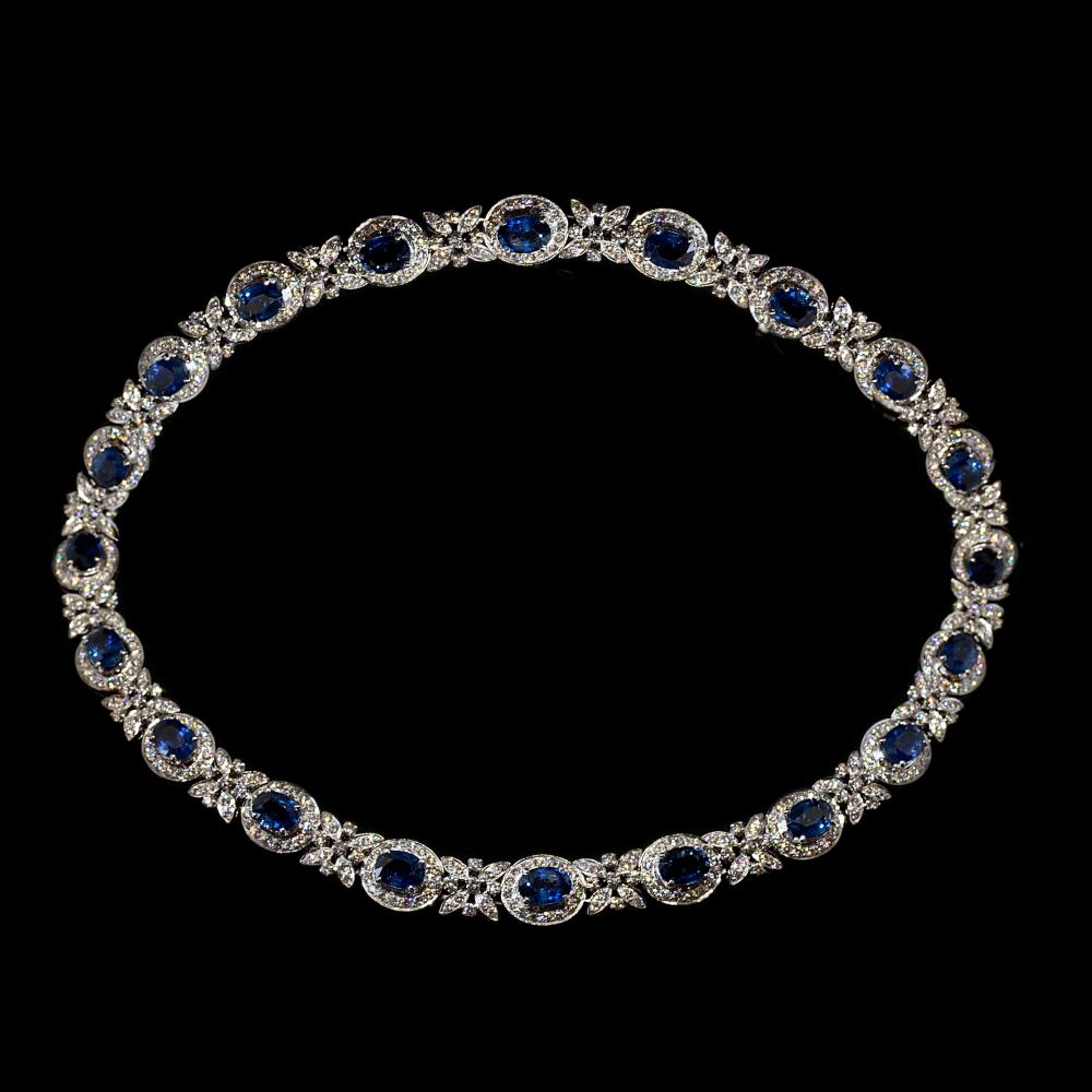 17,53CTW Natural Diamond & x Natural 18,90CTW Blue Sapphire 18K white gold necklace