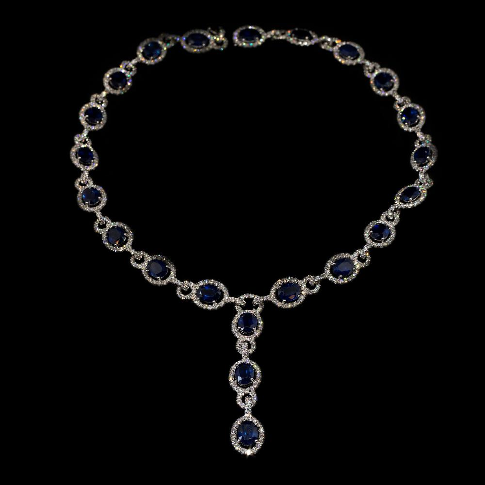 13 CTW Natural Diamond & 30,80CTW Natural Sapphire 18K white gold drop necklace