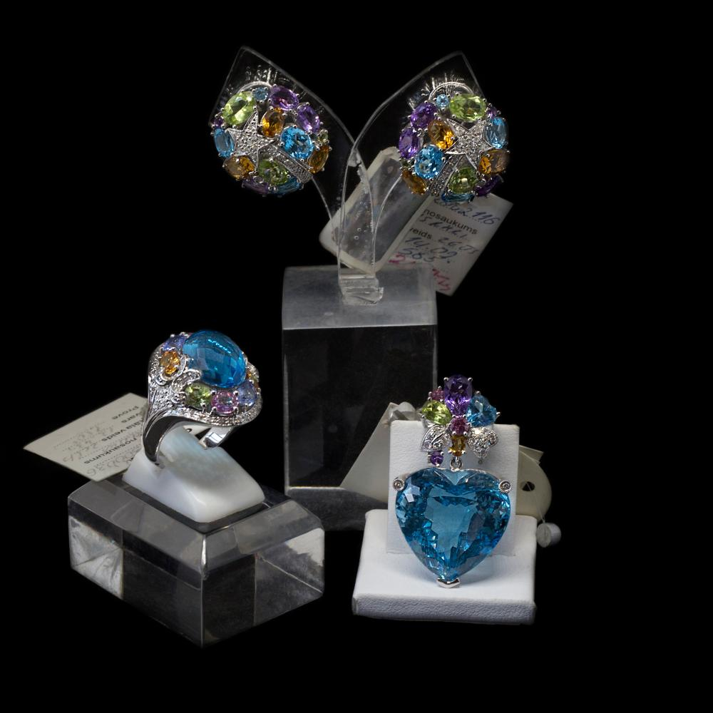 18K & 14K white gold matching jewelry set with 20,29TCW Natural multi colored sapphires, 48, 81CTW Topaz and 0,73CTW diamonds.