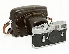 Leica M2 + case