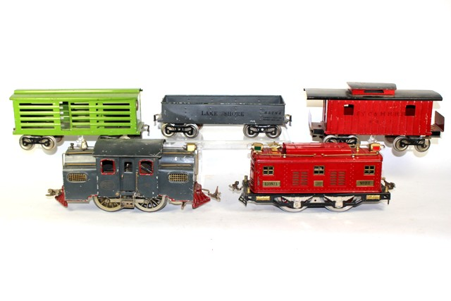 Lionel No. 8E & No. 38 Locomotives with Three Cars