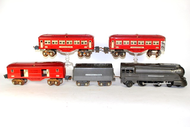 Lionel Prewar No. 238e Locomotive and  Passenger Set