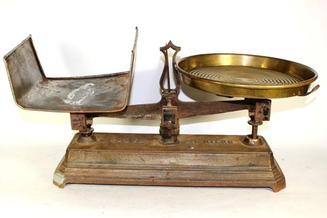 Vintage Cast Iron Mercantile Balance Scale