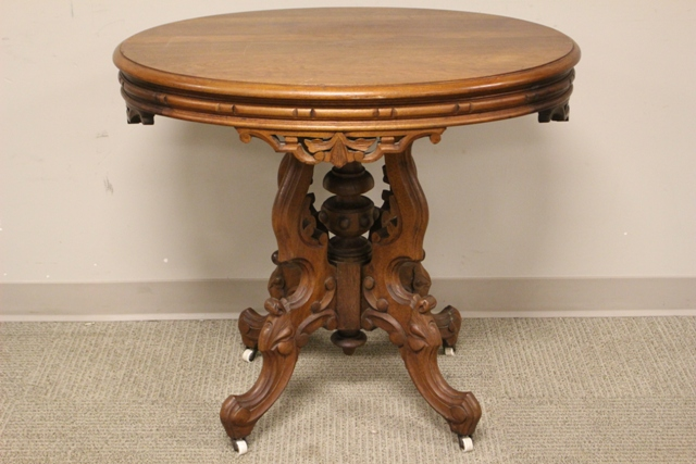 Oval Victorian Walnut Hall Lamp Table