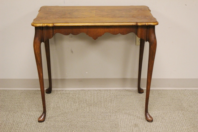 Early 20th century Queen Anne Tea Table