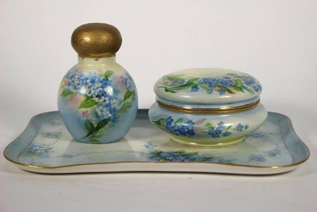 ca 1900 Tressemanes & Vogt Limoges Dresser Set