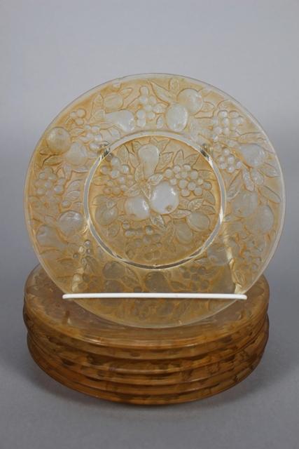 Phoenix Art Glass Five Fruits Pattern Plates (7)