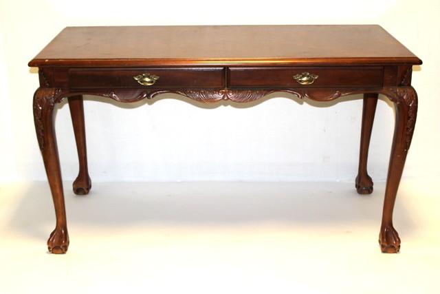 Late 20th Century Mahogany Gentleman's Desk