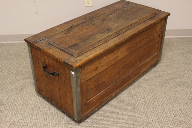 Early Country Craftsmen Oak Trunk Chest