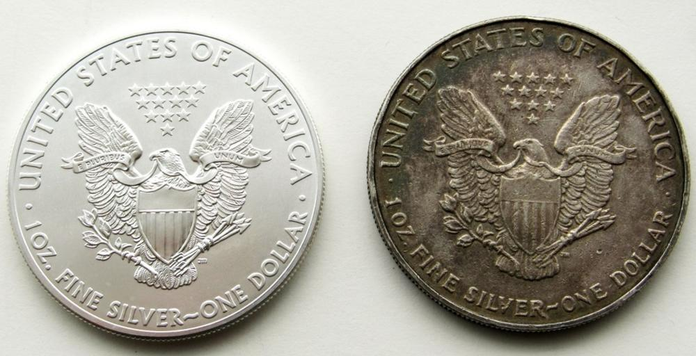 Lot 49: 1993 & 2015 .999 SILVER ONE OUNCE EAGLE