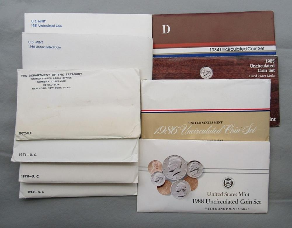 Lot 208: 10-U.S. MINT SETS-ALL DIFF; 1969,