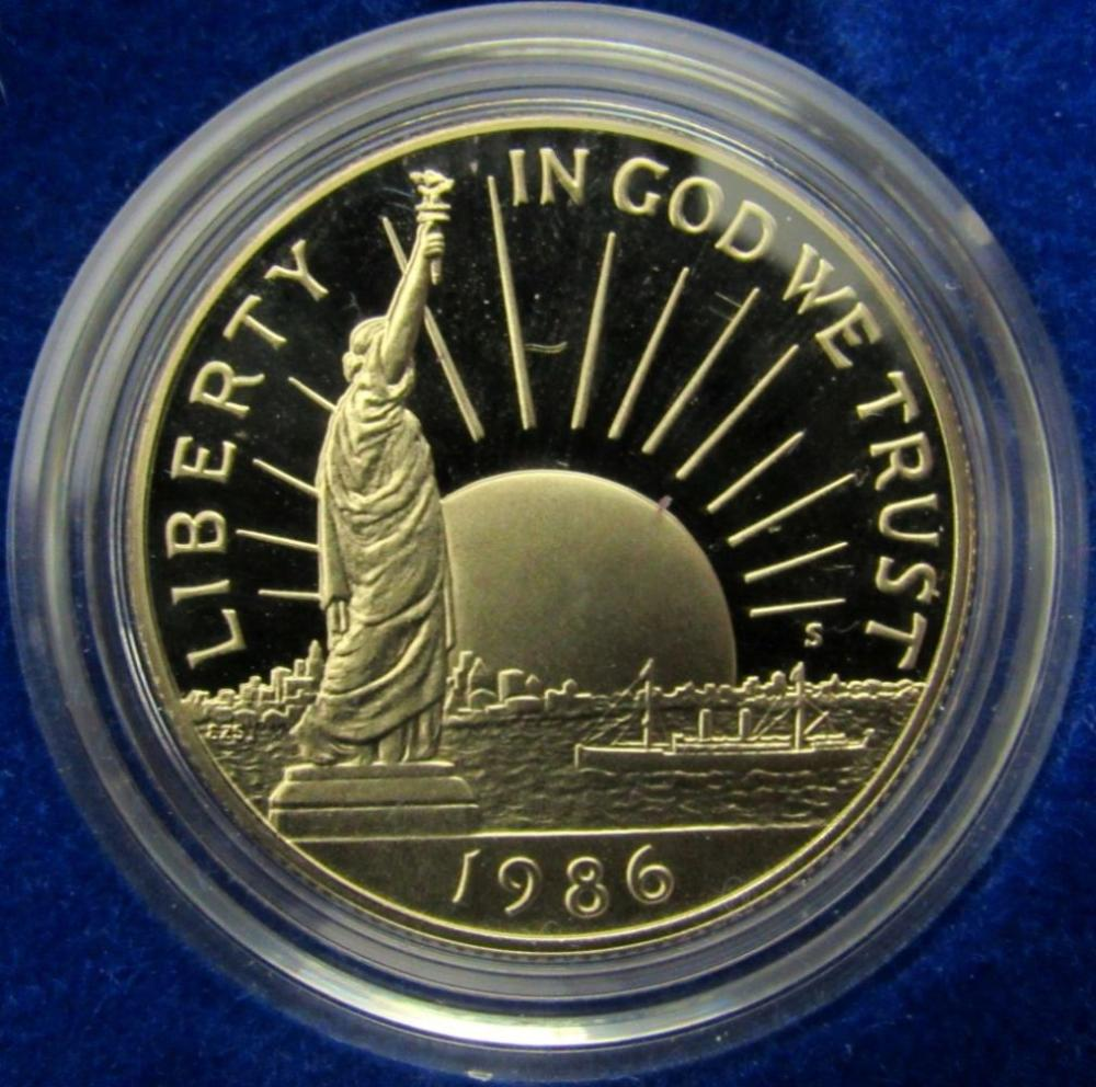 Lot 209: 1986 STATUE OF LIBERTY 2 COIN SET PROOF