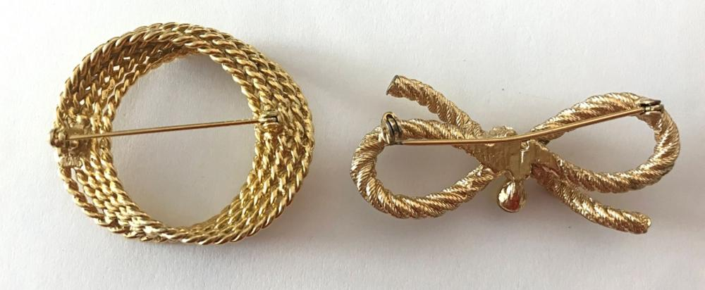 2- GOLD TONE BROOCHES WREATH/BOW