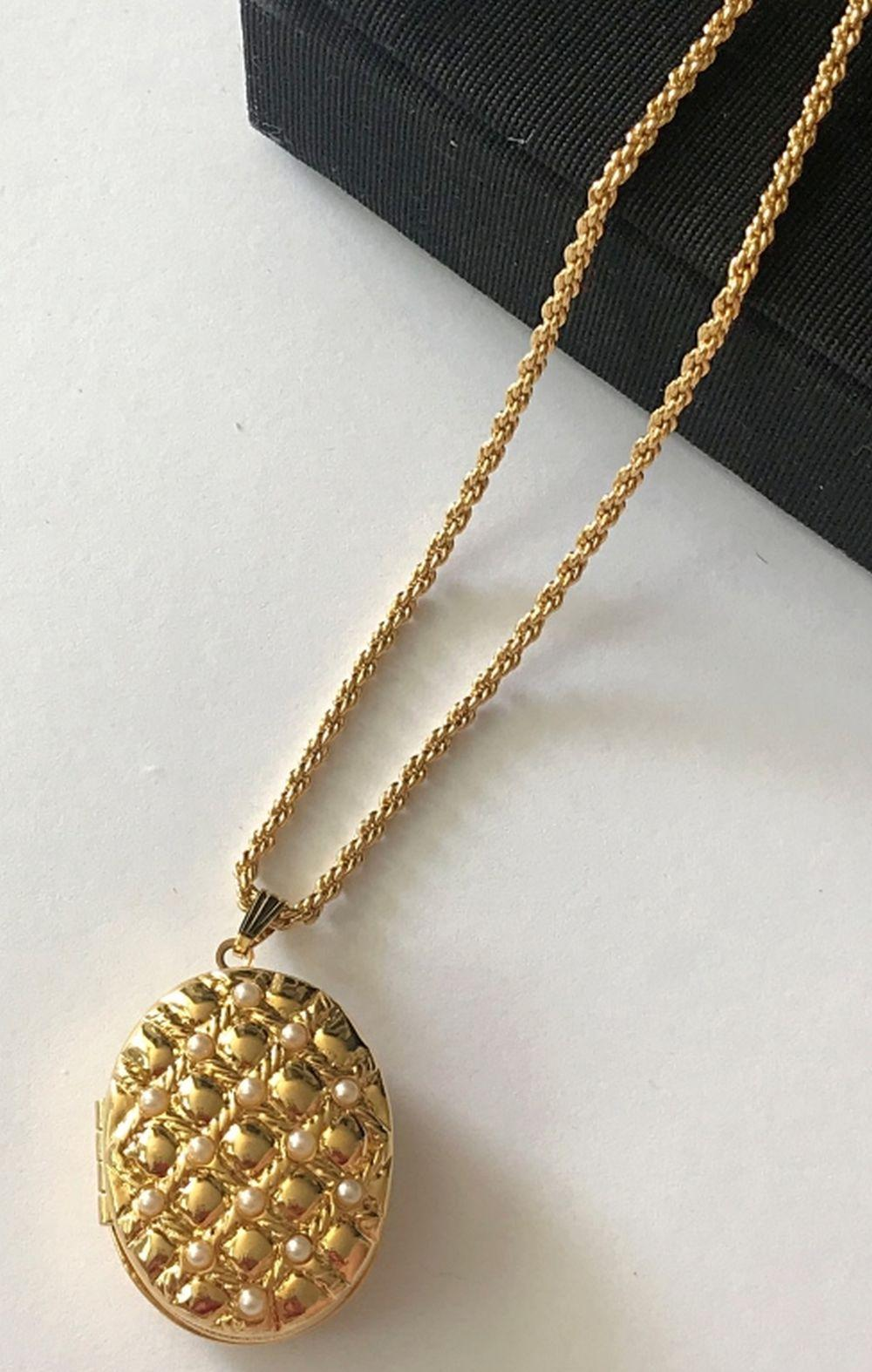 JOAN RIVERS RARE LOCKET NECKLACE FAUX PEARL