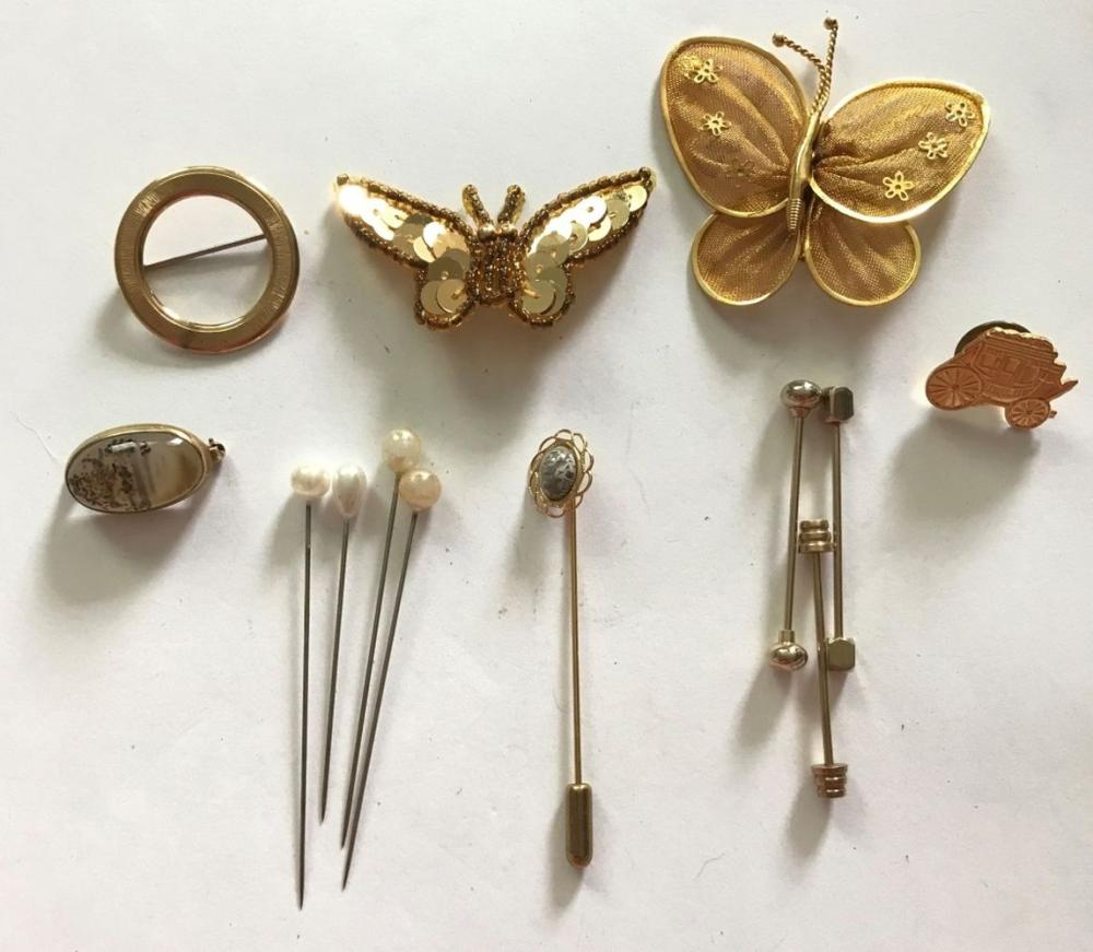 BROOCH/PIN LOT BUTTERFLY CAR & MORE